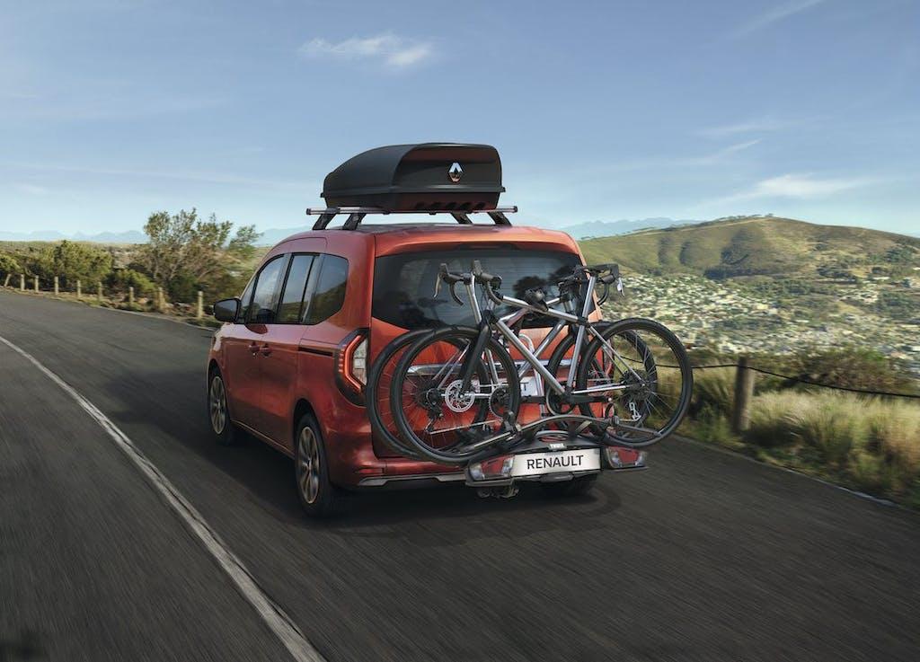 """Nuovo Renault Kangoo dCi, ecco perché è """"più"""" auto che veicolo commerciale"""
