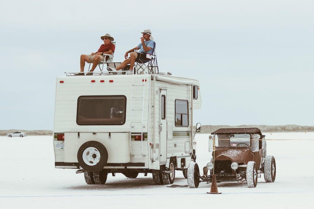 Bonneville Speed Week deserto salato spettatori camper hot rod