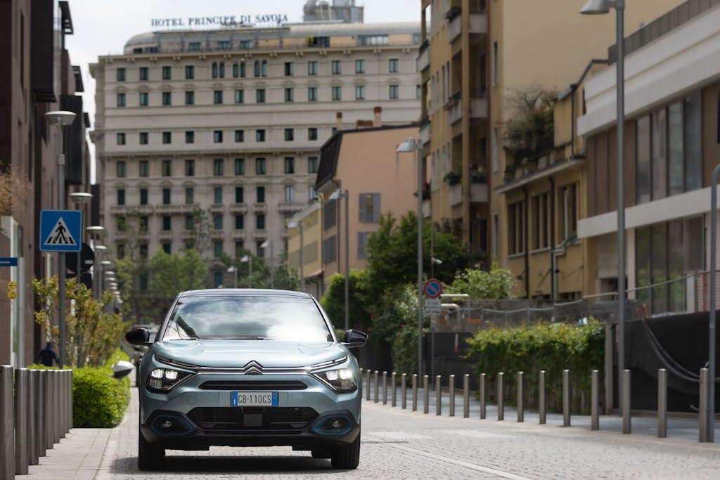 Citroën ë-C4 100% elettrica: quanto costa viaggiare in elettrico
