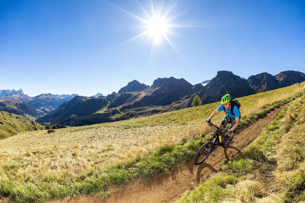 Arabba, in bici nel cielo