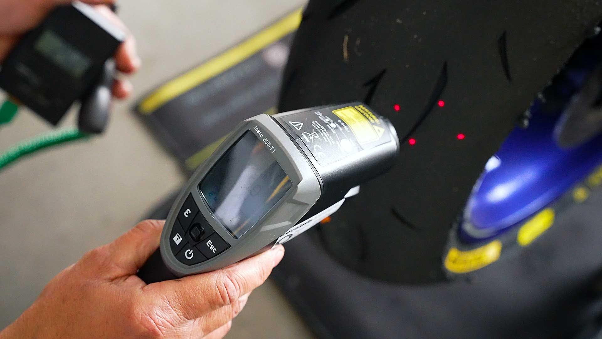 Dunlop gomma racing misurazione temperatura