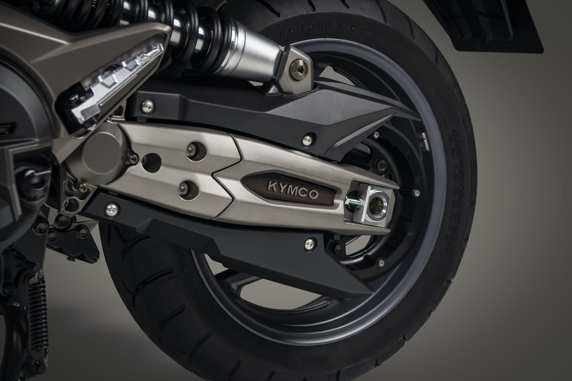 Kymco AK 550 ETS particolare forcellone