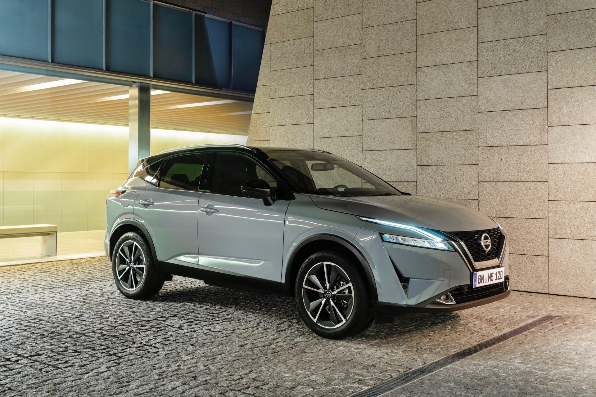 Nissan Qashqai 2022 grigia