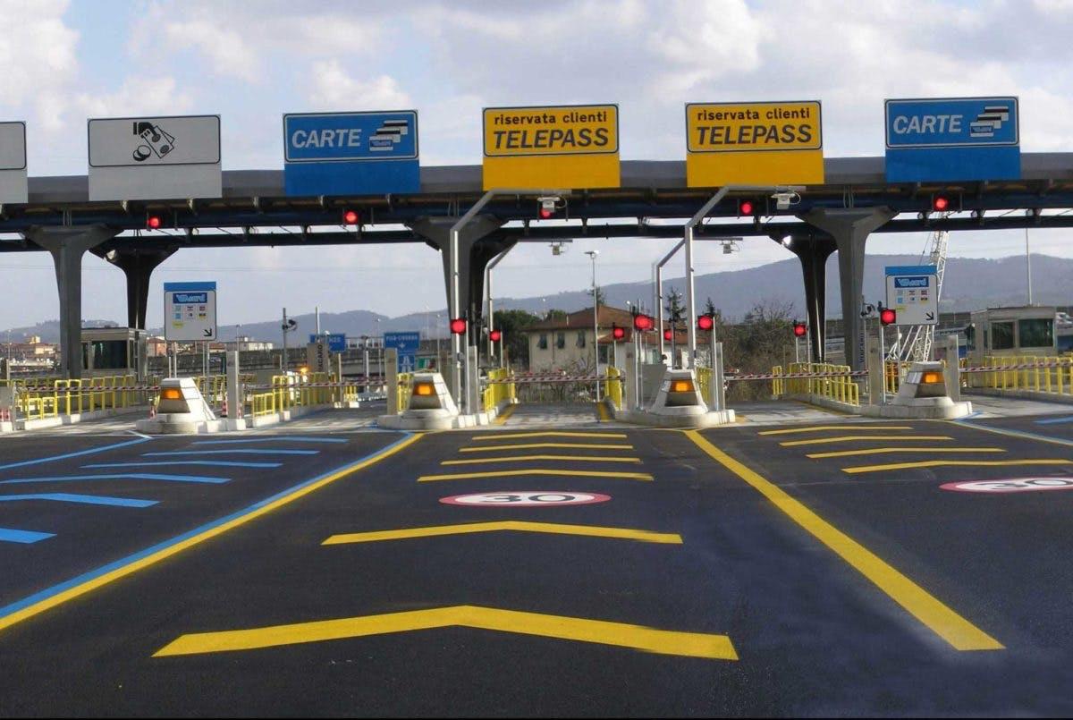 Corsia Telepass casello autostradale