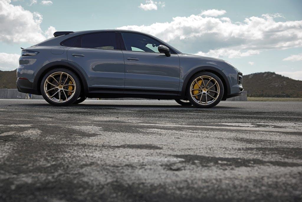 Porsche Cayenne Turbo GT, sognare finché si può