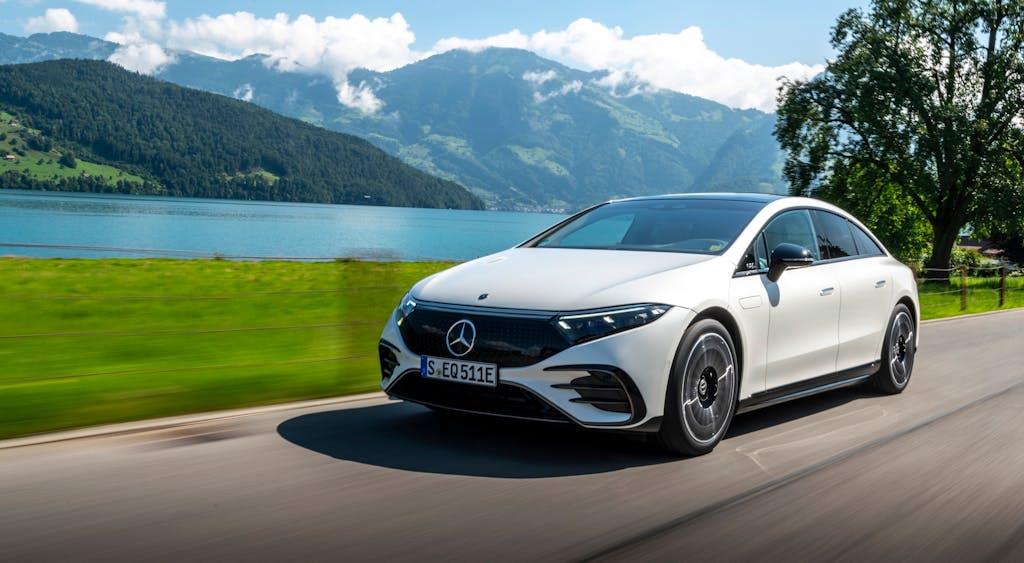 Mercedes EQS, auf wiedersehen Tesla, ora ci sono io…