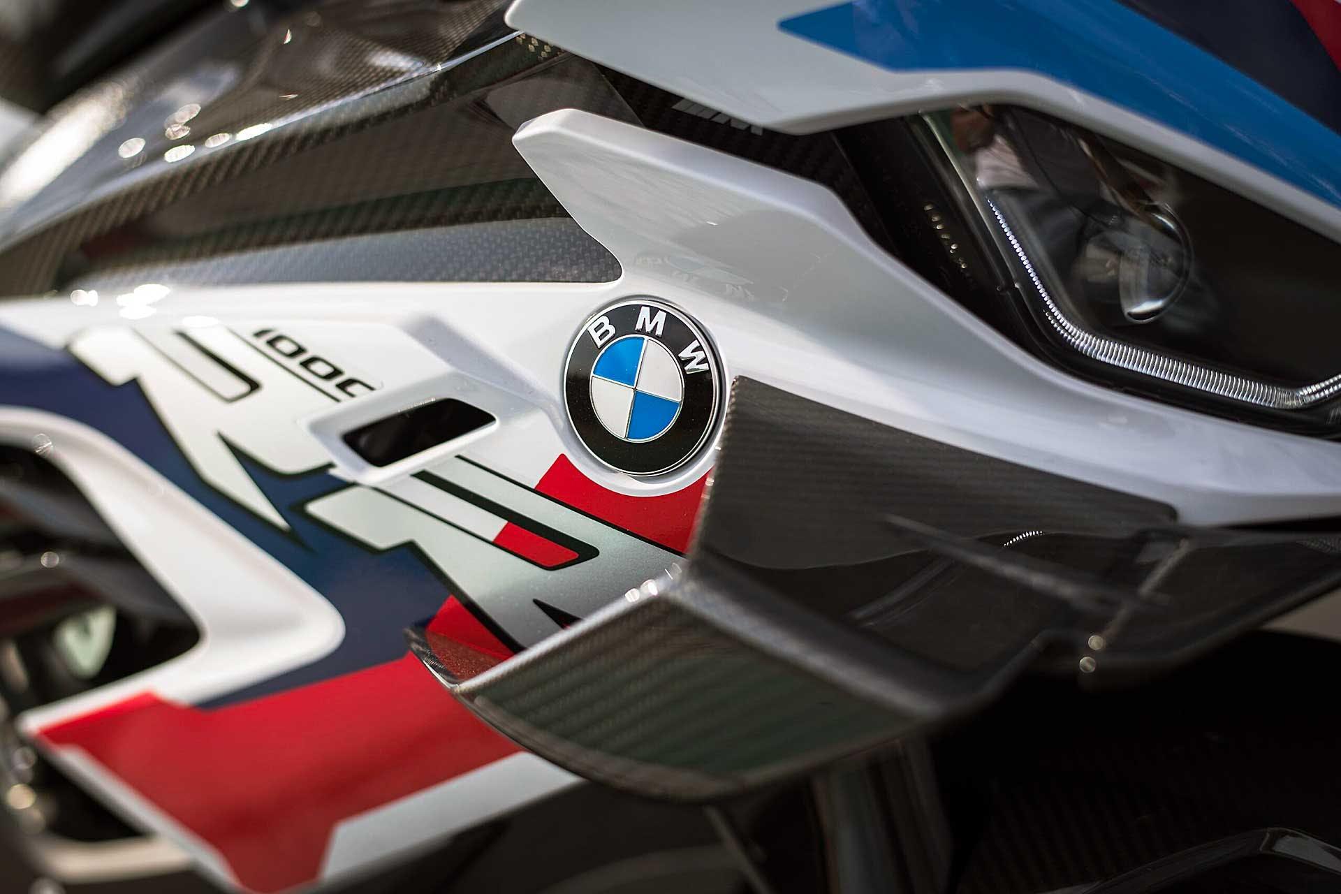 BMW M 1000 RR ali aerodinamiche moto