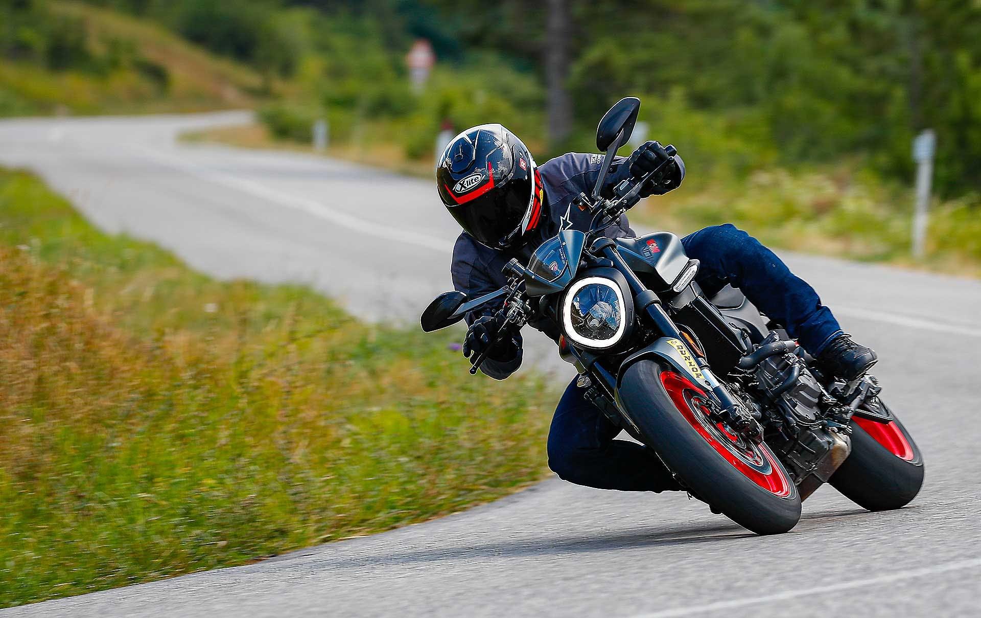 Ducati Monster 2021 migliori naked medie