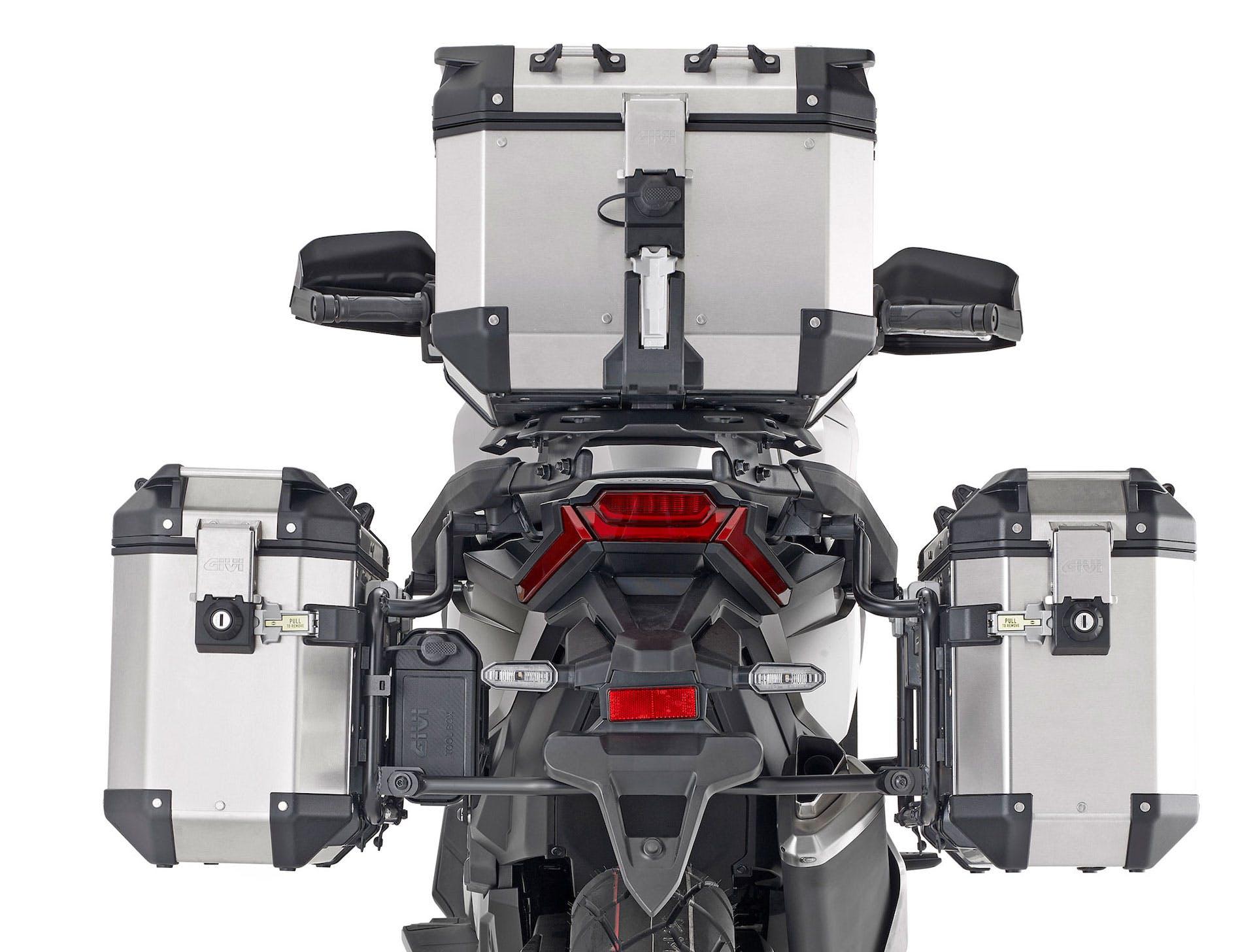 Honda X-ADV con tris valigie GIVI Trekker Outback