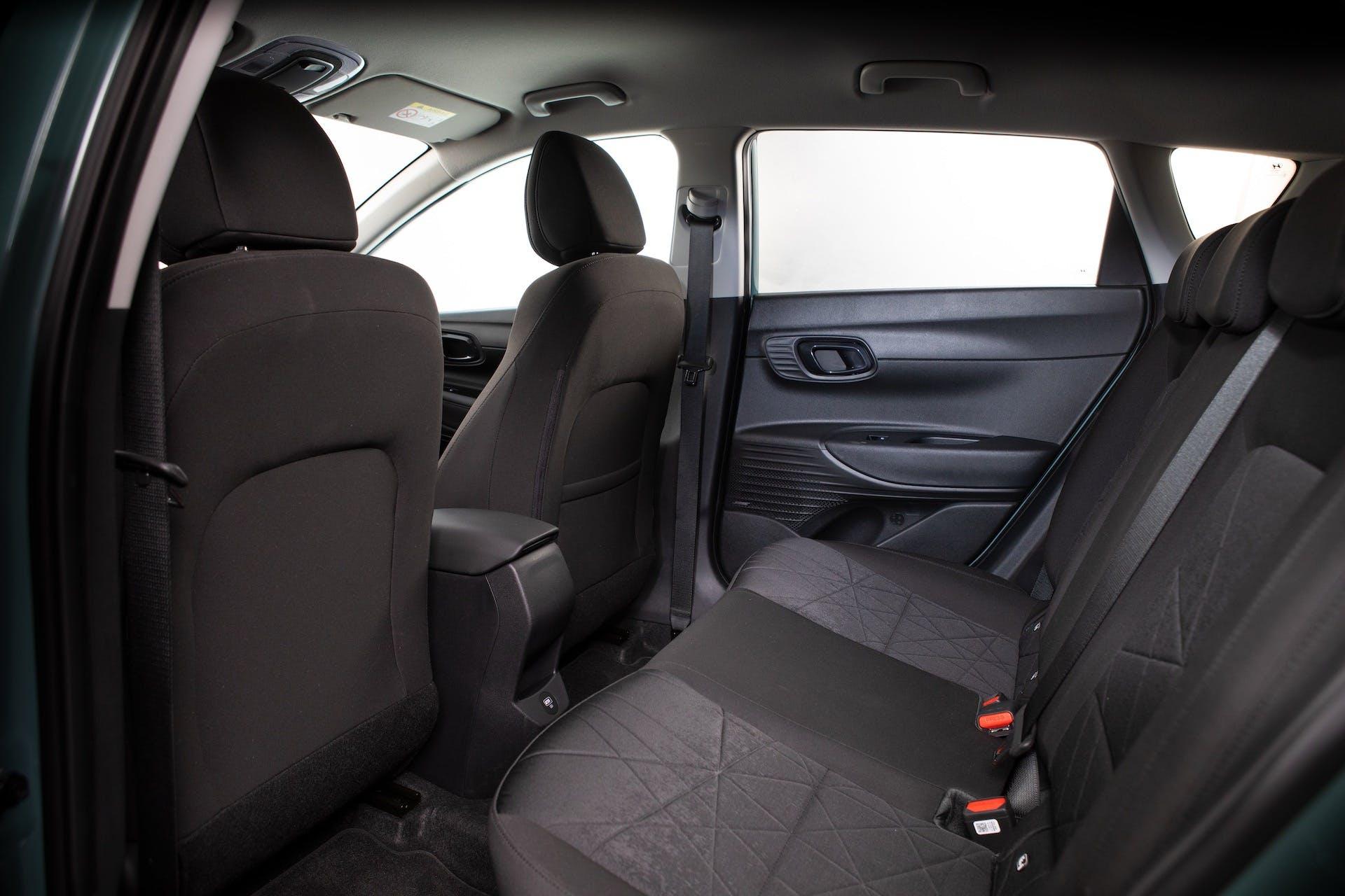 Vista dei sedili posteriori di Hyundai Bayon