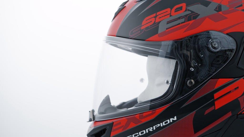 Sotto la lente Scorpion EXO-520 Air