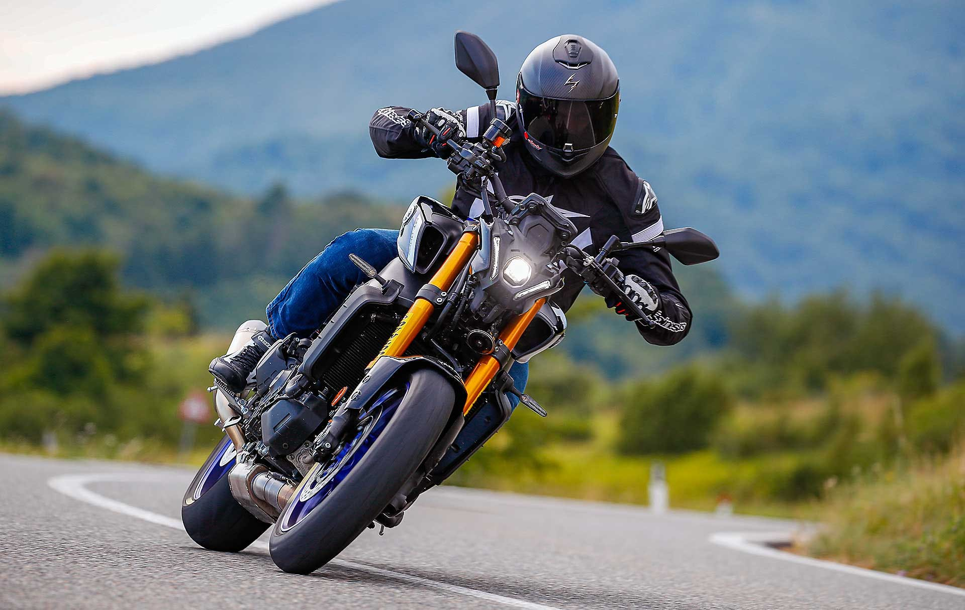 Yamaha MT-09 SP 2021 migliori naked medie
