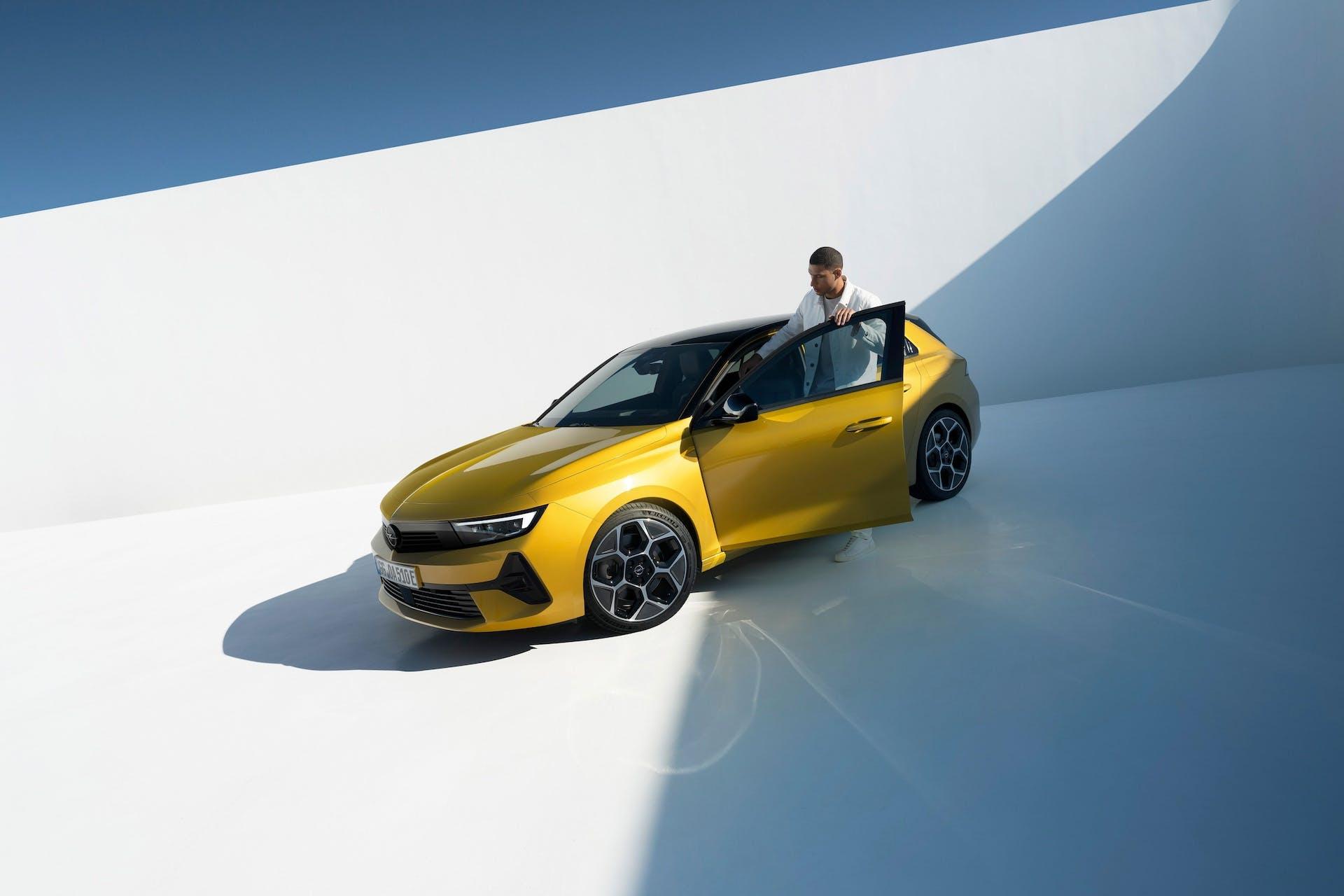 Opel Astra 2022 - statica