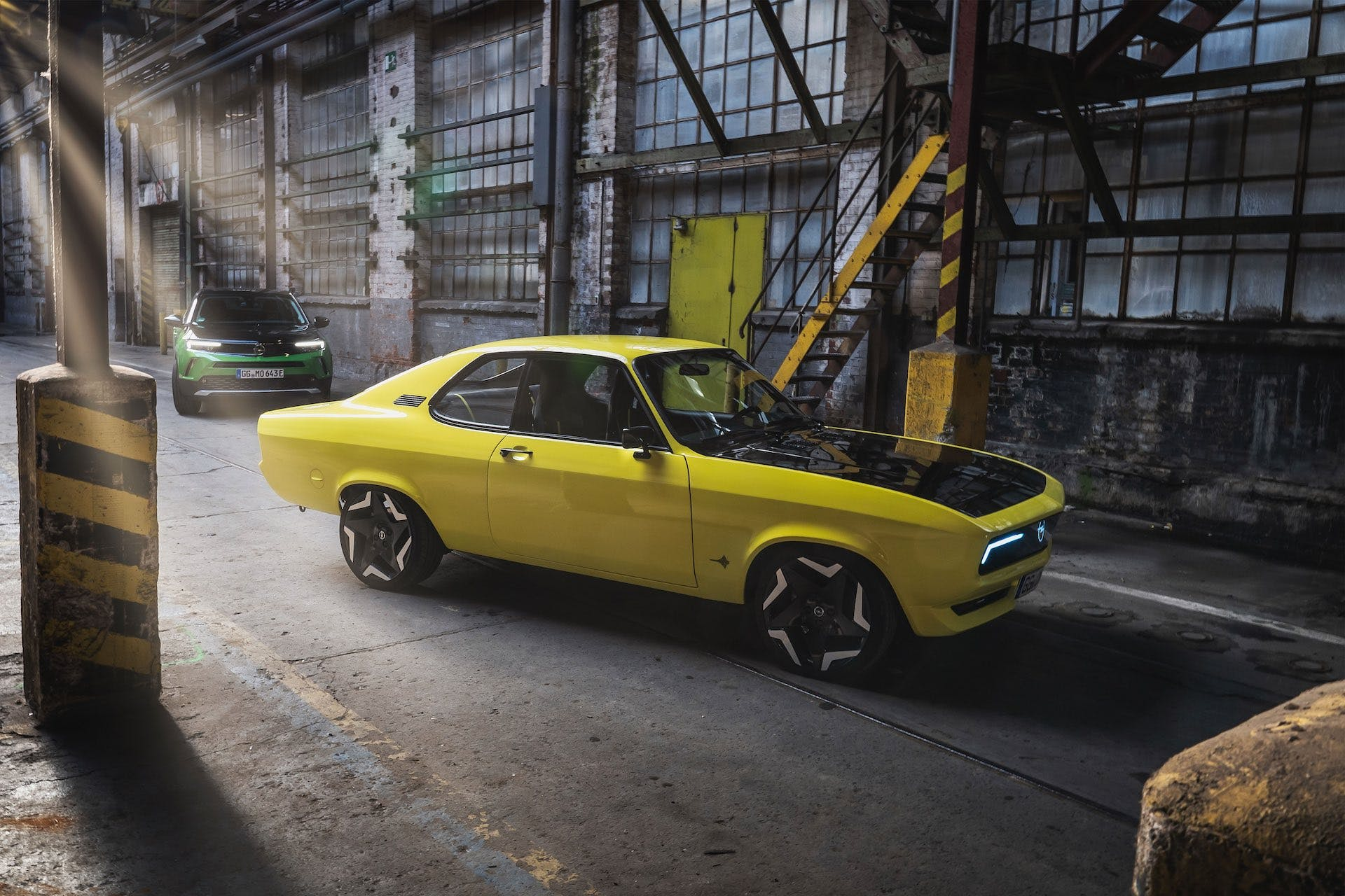 Opel Manta GSe - statica tre quarti anteriore