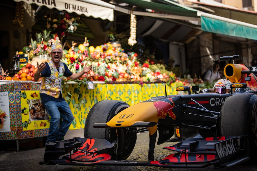 Da Palermo a Monza con Max Verstappen e la sua Red Bull Honda