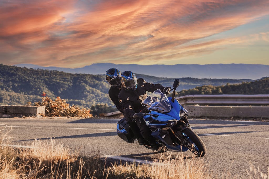 Suzuki GSX-S1000GT: sport touring di sostanza