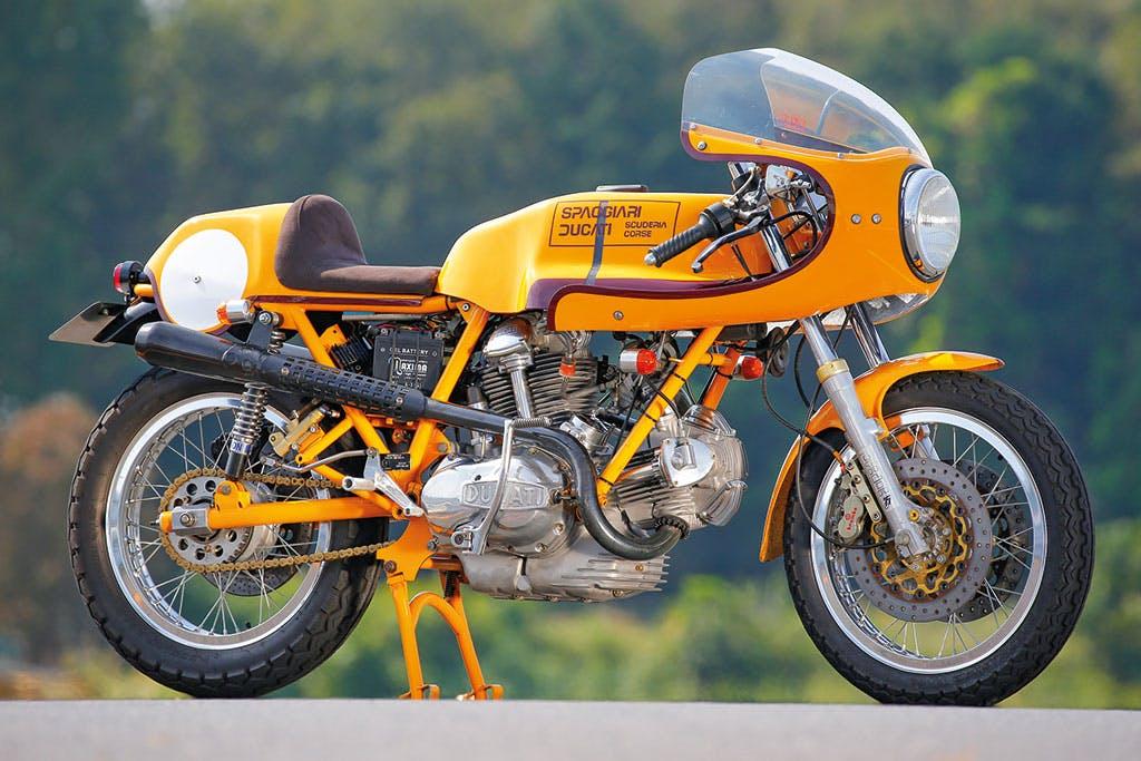 Ducati 750 Supersport scuderia Spaggiari